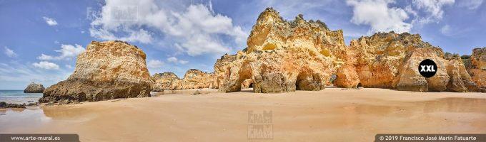 J7405104. Praia dos Três Irmãos, Carvoeiro. Algarve (Portugal)