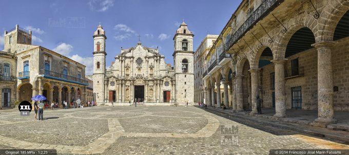 E1953154. Plaza de la Catedral. La Habana, Cuba