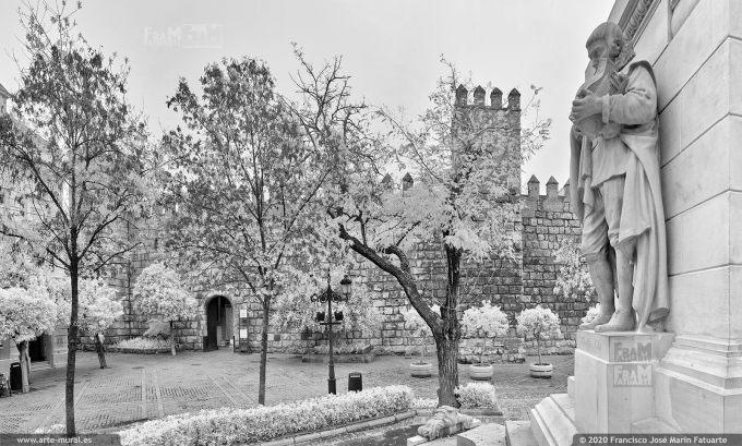 KS938905. Plaza del Triunfo