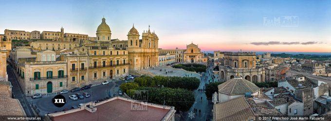 H59116F5. Noto skyline. Sicily (Italy)