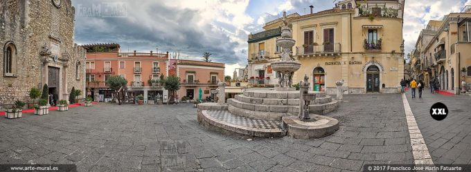 H5977704. Piazza Duomo and Fountain. Taormina (Italy)