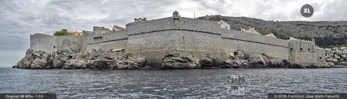 G3885902. G3885902 Walls of Dubrovnik from the sea (Croacia)