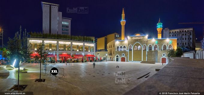 IF109503. Place du Kahn Antoun Bey and Al Majidieh Mosque. Beirut, Lebanon